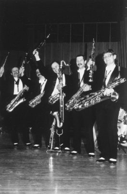 Moscow Sax bw 2k holding up instruments